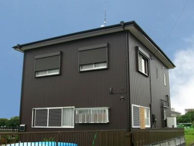 ガルバリウム鋼板外壁でモダンな外観にリフォーム 浜松市浜北区の